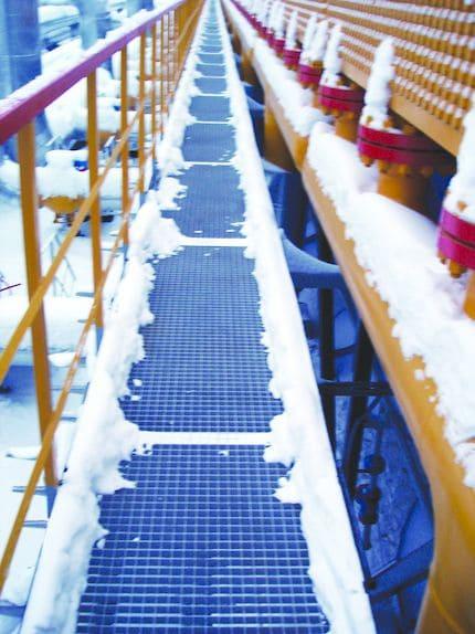 Состояние ходового мостика из решетчатых настилов