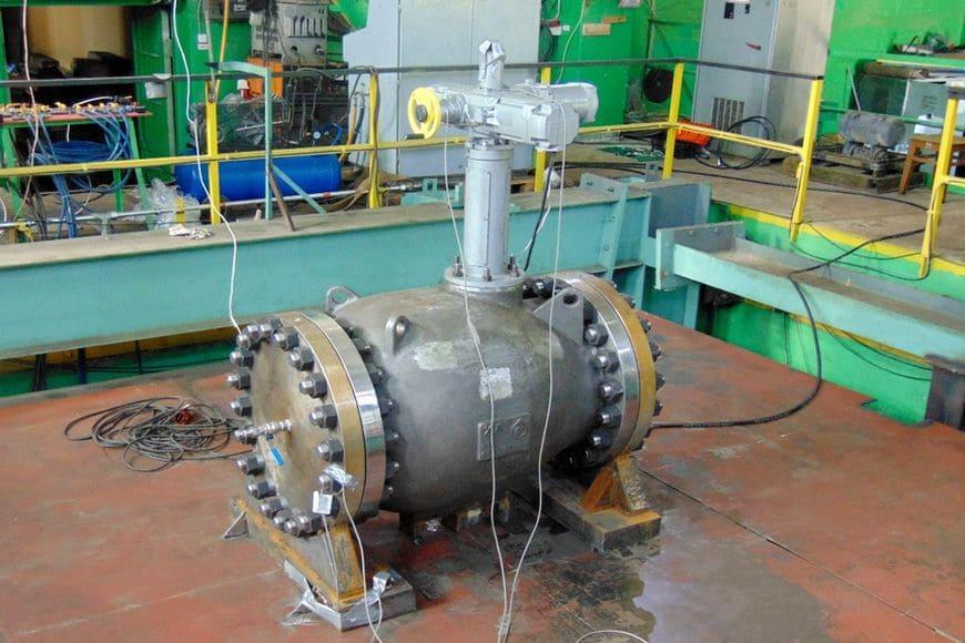 Сейсмоплатформа «УСВС-100»: испытание на сейсмостойкость клапана запорно-регулирующего