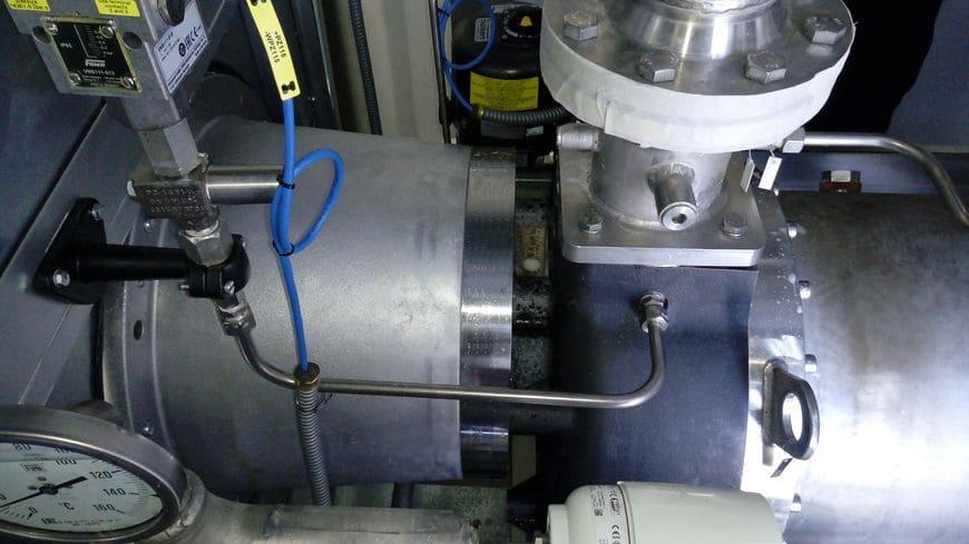 Бесконтактное соединение двигателя и компрессора посредством магнитной муфты