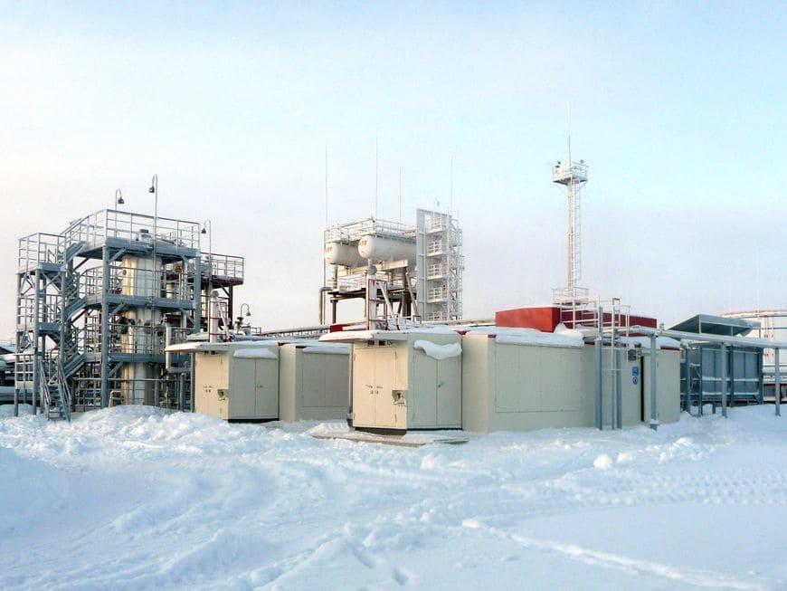 КУ в арктическом исполнении компримируют НН ПНГ в составе СКНС на ДНС-3 Северо-Лабатьюганского м/р (Сургутнефтегаз)