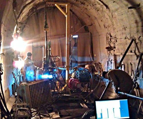 Автоматическая сварка охлаждающих труб глубинной коллекторной системы в стесненных условиях цементационной штольни, Вилюйская ГЭС-3