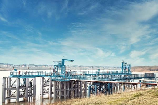 Омский НПЗ «Газпром нефти» модернизирует инфраструктуру для обеспечения нефтепродуктами районов Крайнего Севера