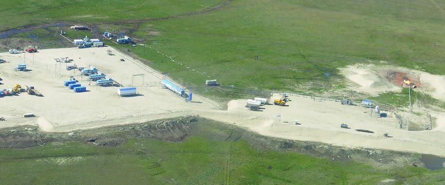 Общий вид скважинной площадки с блоком подготовки газа производства завода Газпроммаш
