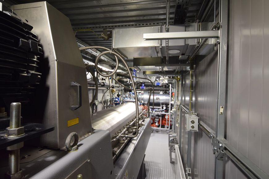 3-х фазный декантер СF5000 petroMaster внутри контейнера