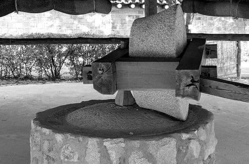 Простейшая каменная мельница