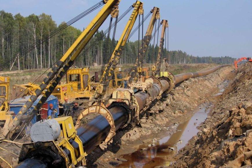 Изоляция труб нефтепровода