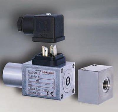 Пример внешнего вида поршневого реле давления (на примере Barksdale Series 8000)