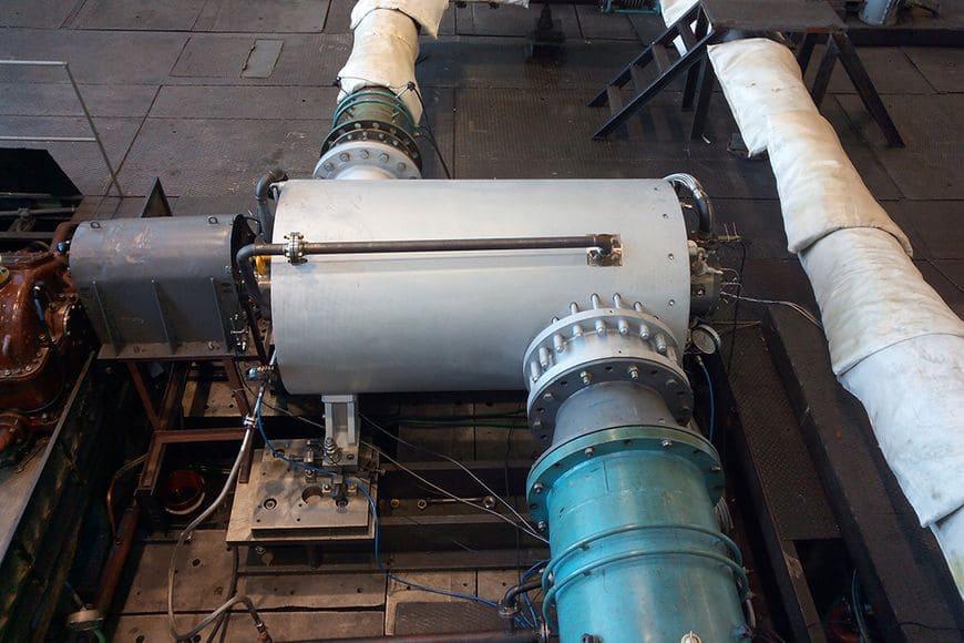 Центробежный компрессор 215-61-1С на испытательном стенде