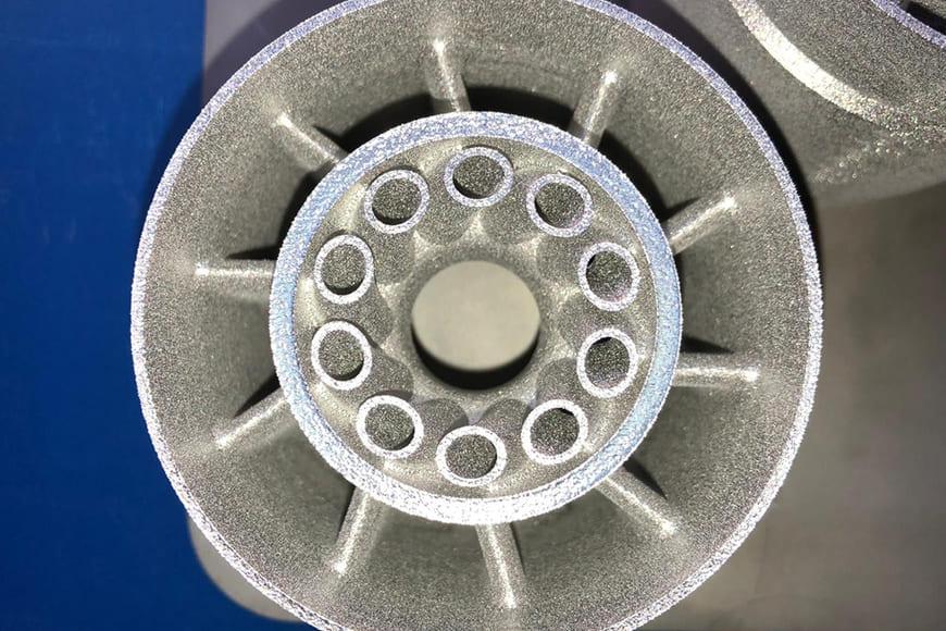 Завихритель топливной форсунки, изготовленный методом селективного лазерного сплавления