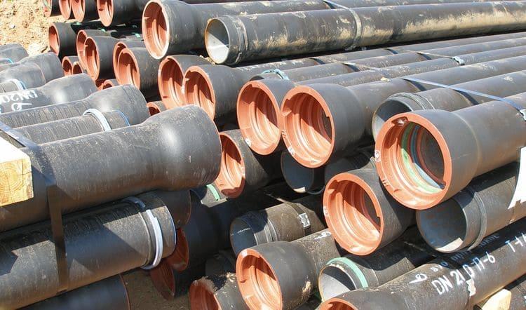 Партия труб из ВЧШГ под соединения типа «RJ», подготовленная к монтажу трубопровода