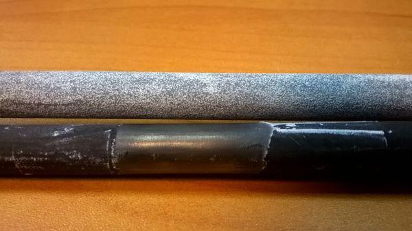 Внешний вид поверхности анодов с оксидным покрытием и без покрытия после окончания эксперимента