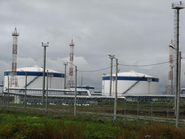 Резервуары для хранения нефти Уярского нефтеналивного терминала, 2006 г. Покрытие ЦИНОТАН+ПОЛИТОН-УР+ПОЛИТОН-УР(УФ)